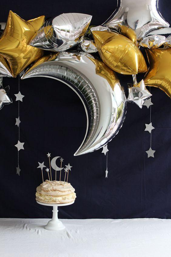 ديكور بالونات الهلال والنجمات