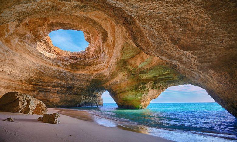 شاطئ الكهف، الغارف، البرتغال